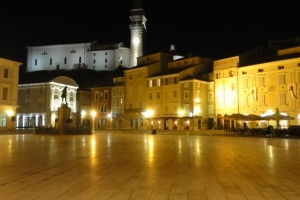 Piran by night